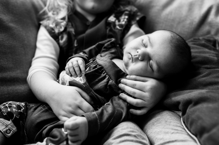 Newborn Lifestyle Photographer Toledo sibling photo by Cynthia Dawson Photography