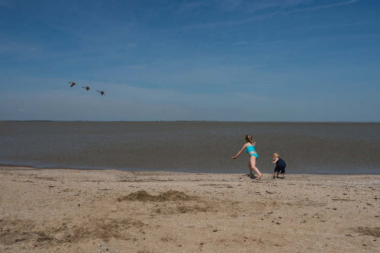 Family Photographer In Toledo Ohio Two Kids On Beach S Photo By Cynthia Dawson Photography